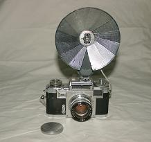 德国1938年康太克斯相机和金属闪光伞灯